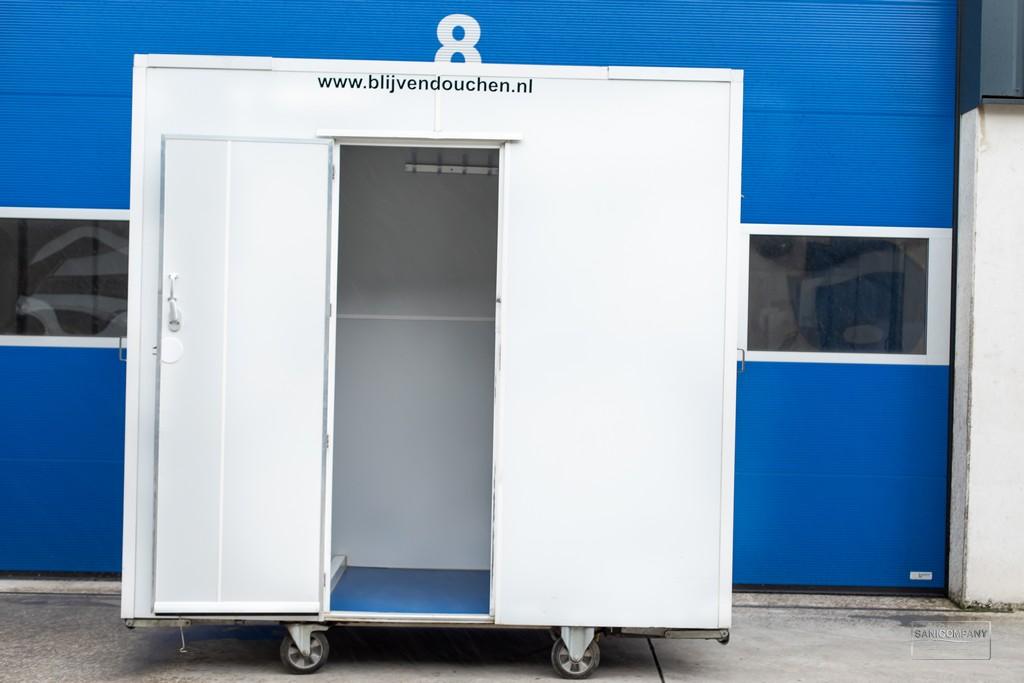 mobiele badkamer met boiler